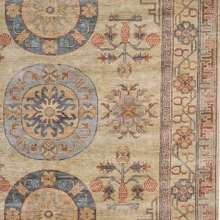 7 x 9 ft Khotan Rug Hand Knotted Contemporary Wool Area Carpet beige brown blue In Excellent Condition For Sale In Lohr, Bavaria, DE