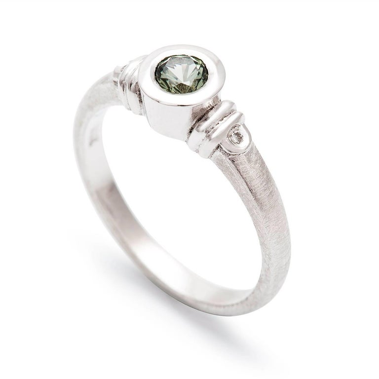 Art Deco Kian Design 18 Carat Three Stones Round Green Sapphire and Diamond Ring For Sale