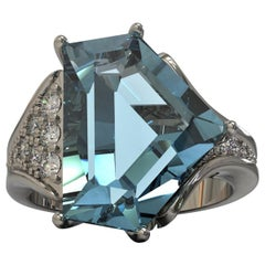 Kian Design 5.93 Carat Aquamarine and Diamond Cocktail Ring in Platinum