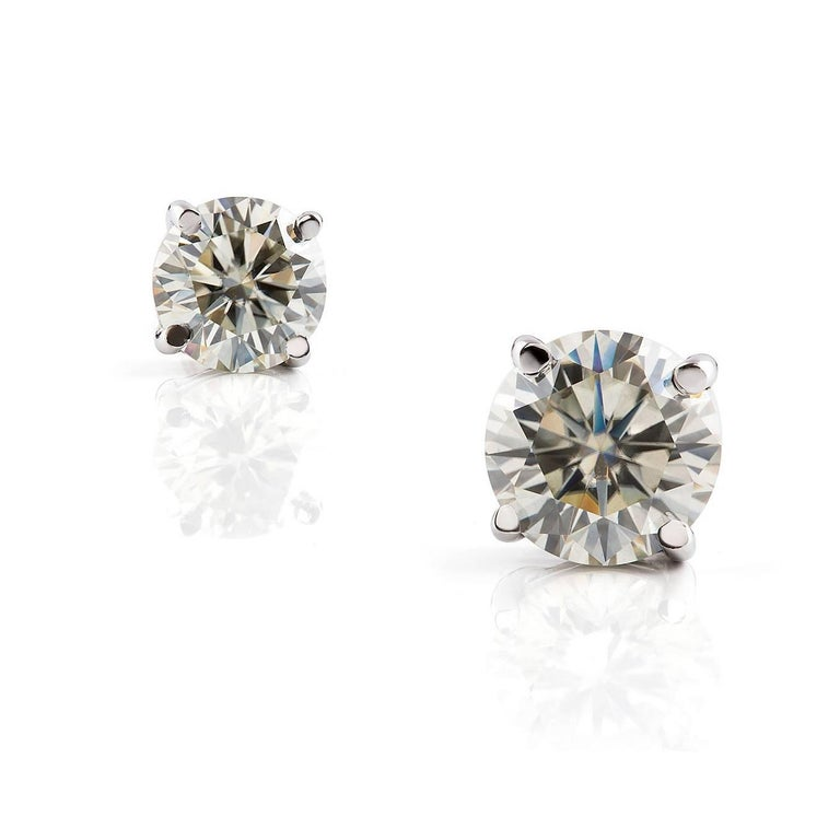 Round Cut Kian Design White Gold 2 Carat Round Brilliant Cut Diamond Earring Studs For Sale