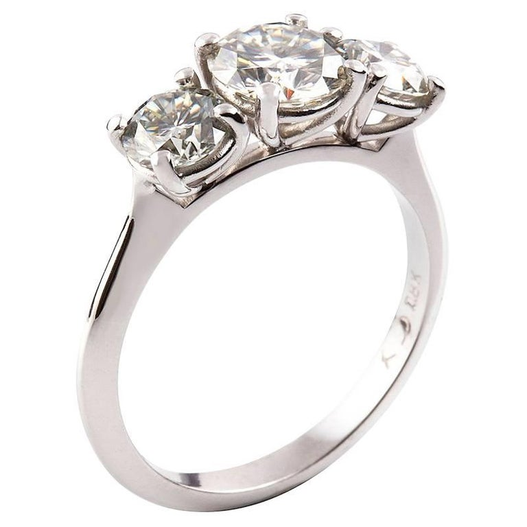 Kian Design White Gold 2.00 Carat Three Stones Round Brilliant Trilogy Ring In New Condition For Sale In South Perth, AU