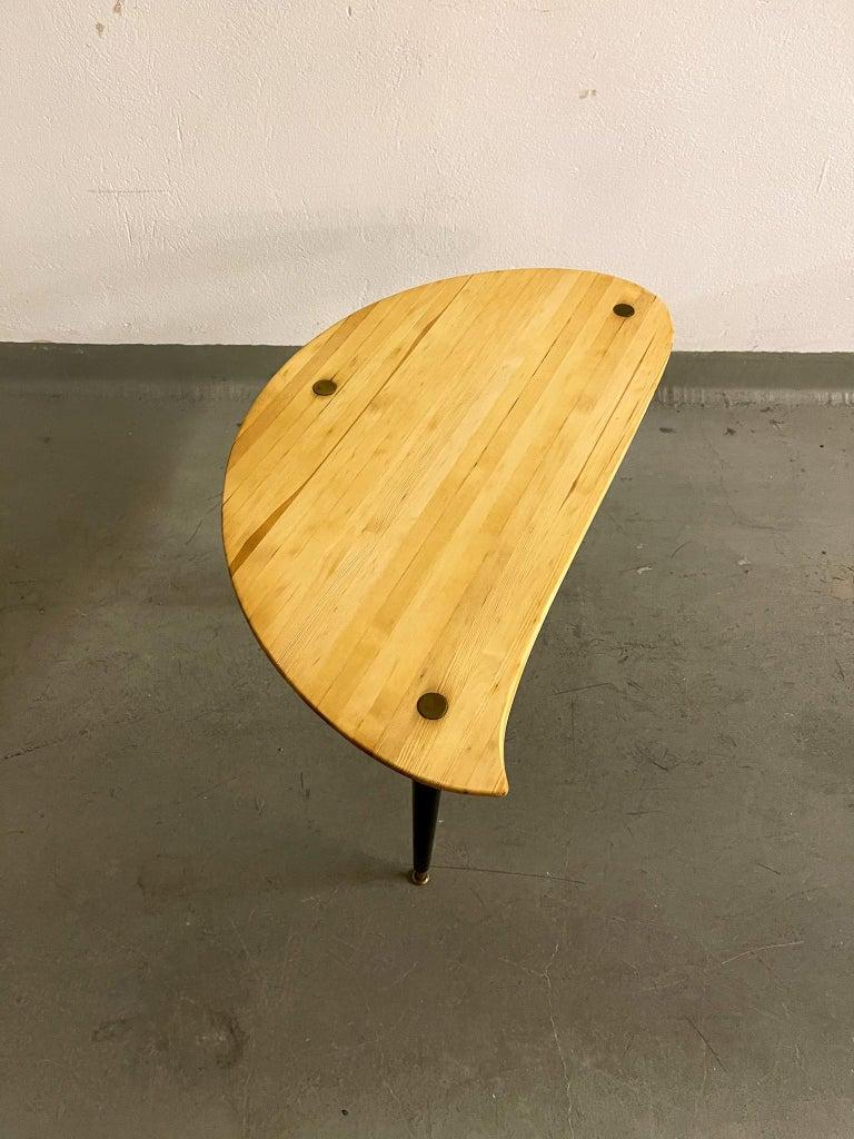 Kidney Shaped Side Table Produced by Svensk Fur, Sweden, 1970s For Sale 3