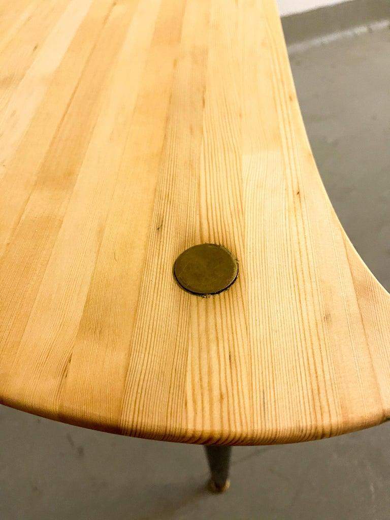 Kidney Shaped Side Table Produced by Svensk Fur, Sweden, 1970s For Sale 5