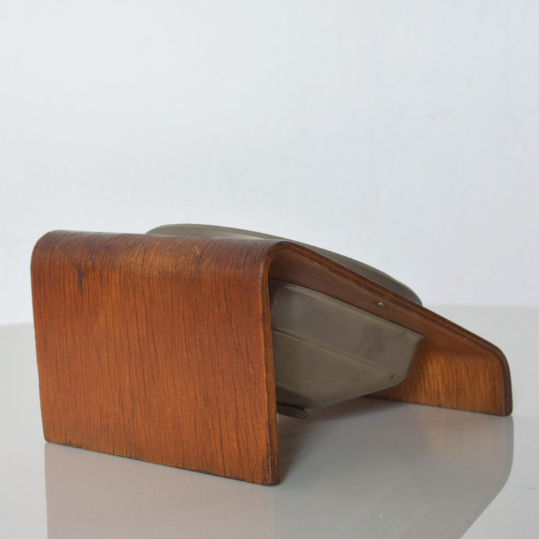 Kienzle Very Modern Desk Table Clock Patinated Bentwood Case 1960s Germany In Good Condition In National City, CA