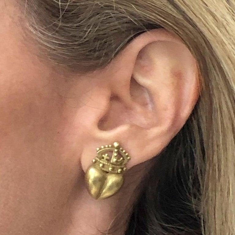 Kieselstein Cord Crown Heart 18 Karat Yellow Gold Earrings For Sale 1