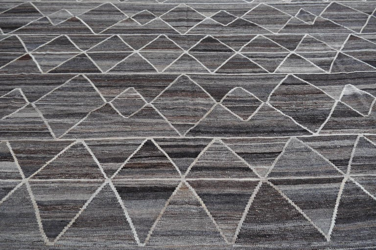Hand-Woven 17 x 12 ft Rug Contemporary Modern 21St Century Neutrals Oversize Gray Brown  For Sale