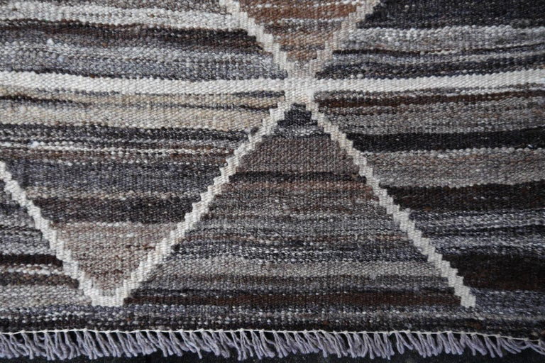 17 x 12 ft Rug Contemporary Modern 21St Century Neutrals Oversize Gray Brown  In New Condition For Sale In Lohr, Bavaria, DE