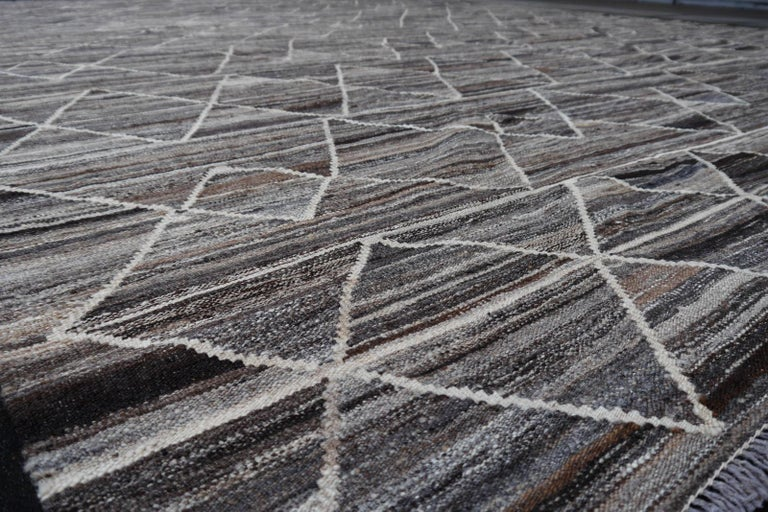 Wool 17 x 12 ft Rug Contemporary Modern 21St Century Neutrals Oversize Gray Brown  For Sale