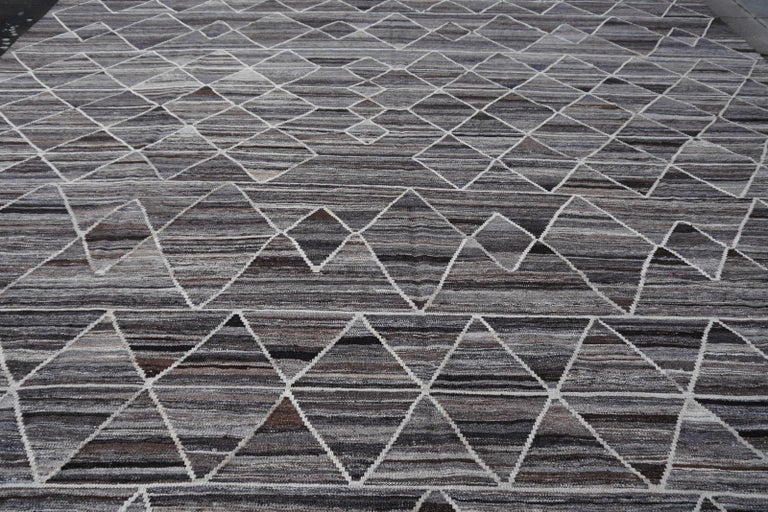 17 x 12 ft Rug Contemporary Modern 21St Century Neutrals Oversize Gray Brown  For Sale 1