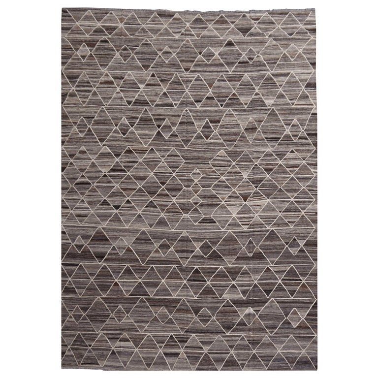 17 x 12 ft Rug Contemporary Modern 21St Century Neutrals Oversize Gray Brown  For Sale