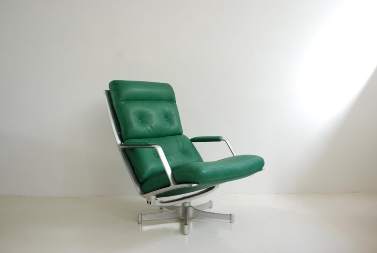 Kill International FK 85 Lounge Chair Green by Kastholm & Fabricius Kelly green For Sale 4