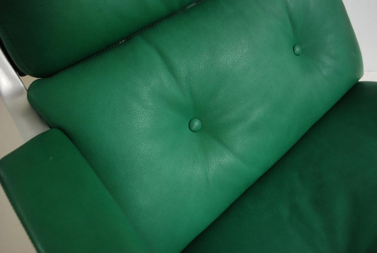 Kill International FK 85 Lounge Chair Green by Kastholm & Fabricius Kelly green For Sale 7