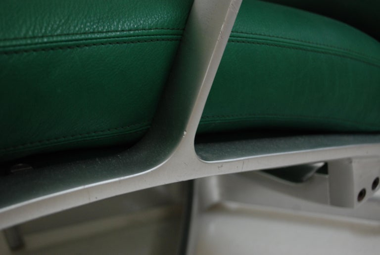 Kill International FK 85 Lounge Chair Green by Kastholm & Fabricius Kelly green For Sale 8