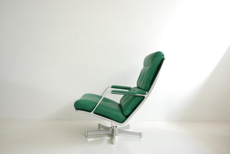 Mid-Century Modern Kill International FK 85 Lounge Chair Green by Kastholm & Fabricius Kelly green For Sale