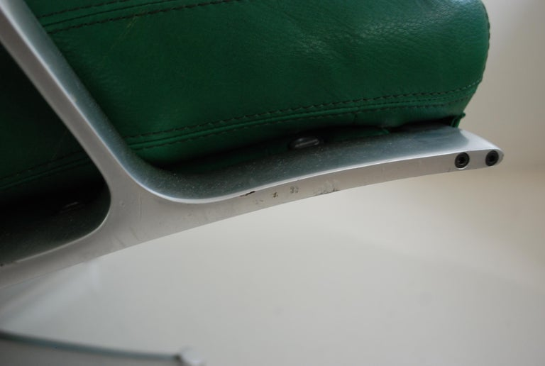 Kill International FK 85 Lounge Chair Green by Kastholm & Fabricius Kelly green For Sale 1