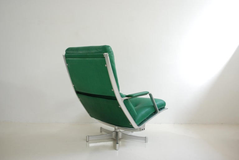 Kill International FK 85 Lounge Chair Green by Kastholm & Fabricius Kelly green For Sale 2
