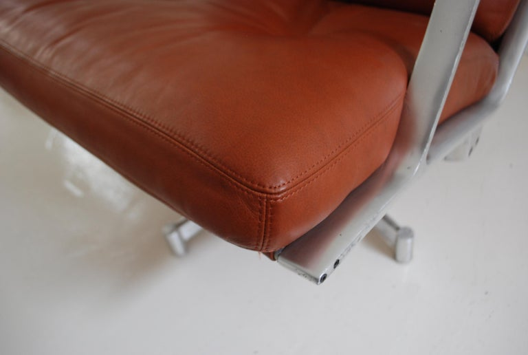 Kill International FK 85 Lounge Chair Red Cognac by Kastholm & Fabricius For Sale 3