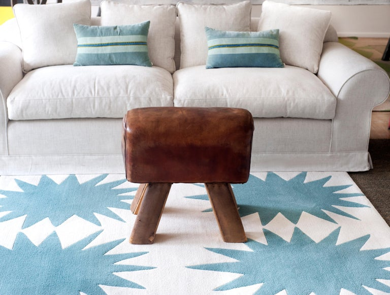 Modern Kilombo Home 21st Century Handtufted Wool Rug Made in Spain Turquoise&White Star For Sale