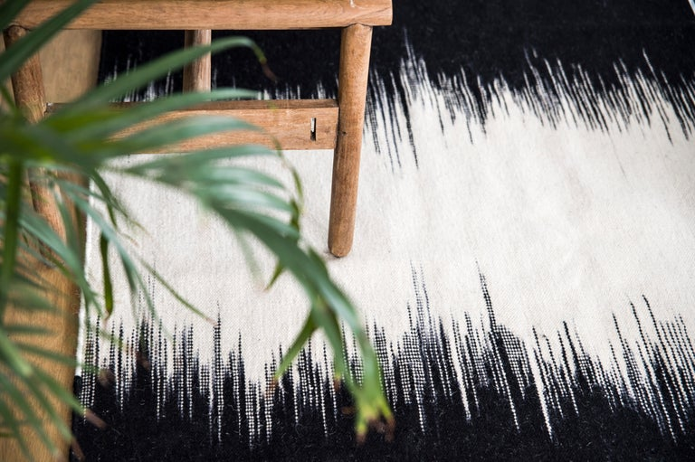 Indian Kilombo Home 21st Century Handwoven Flat-Weave Wool Kilim Black and White For Sale