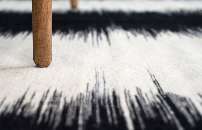 Kilombo Home 21st Century Handwoven Flat-Weave Wool Kilim Black and White In New Condition For Sale In Madrid, ES