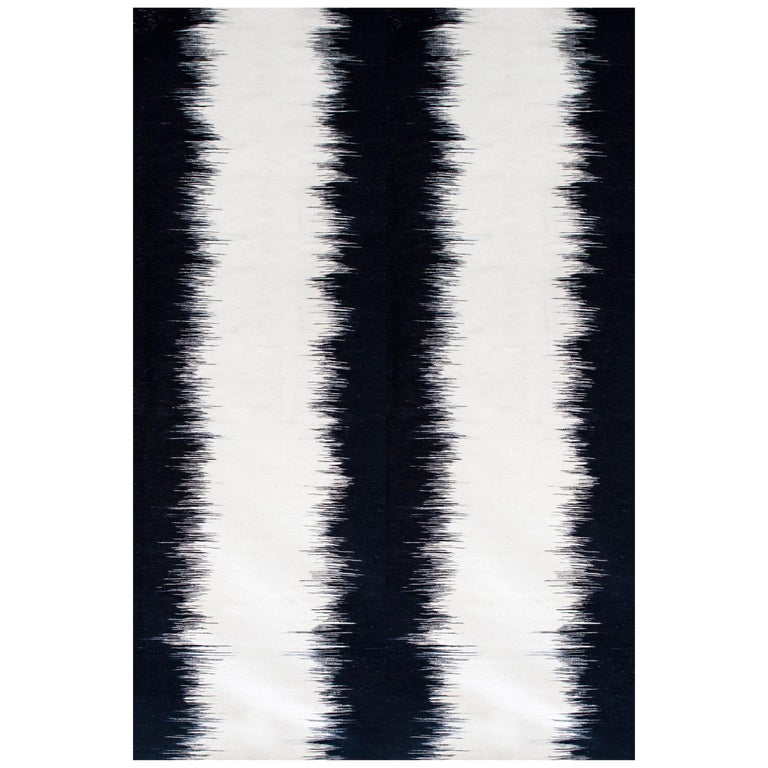 Kilombo Home 21st Century Handwoven Flat-Weave Wool Kilim Black and White For Sale
