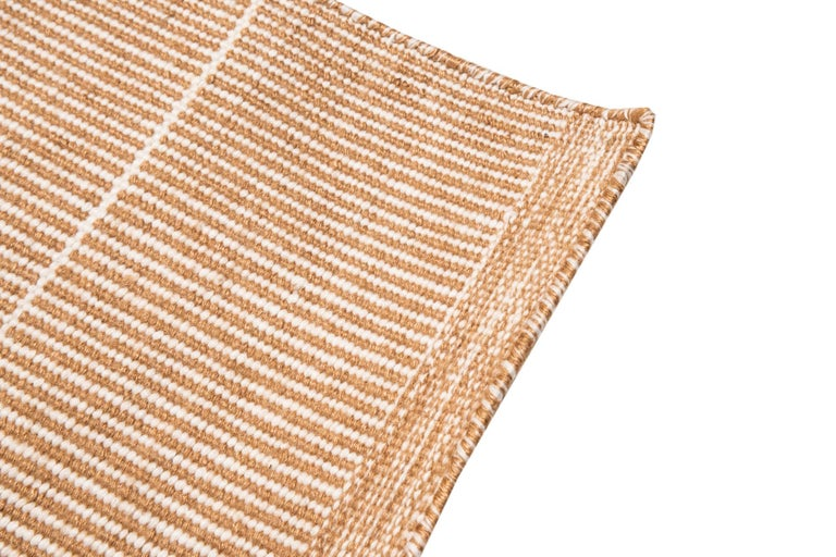 This rug has been ethically hand woven in polypropylene yarns by artisans in north of India, using a traditional weaving technique which is native of this region.  It´s resistant to sun and water, it´s the perfect option for outdoor areas
