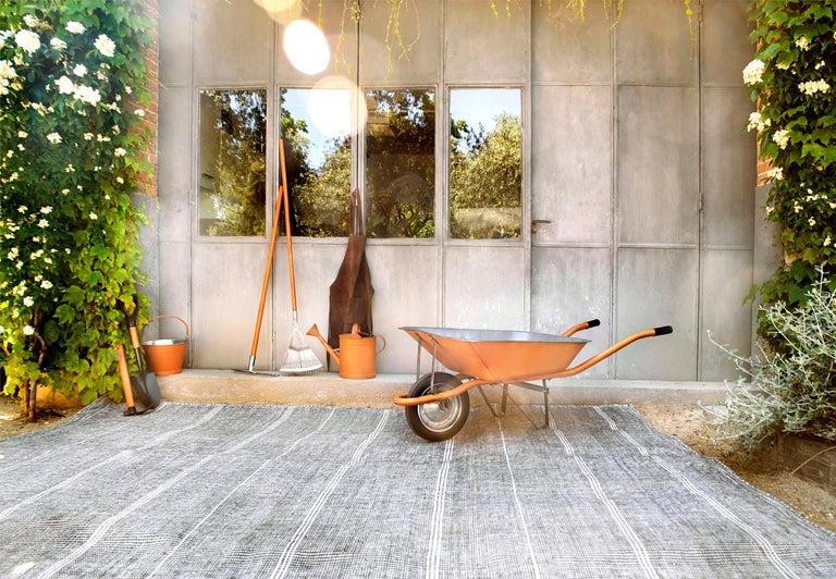 Kilombo Home 21st Century Handwoven Polypropylene Outdoor Rug Bambu Grey For Sale 3