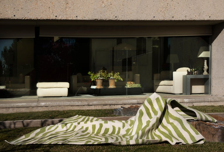 Kilombo Home 21st Century Handwoven Polypropylene Outdoor Rug Sauvage Green In New Condition For Sale In Madrid, ES