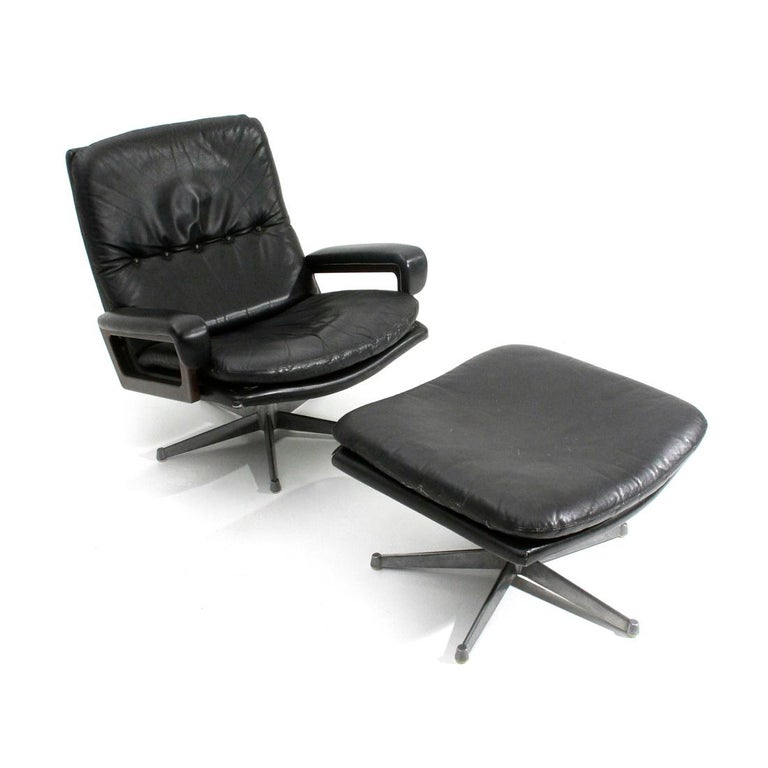 Mid-Century Modern 'King' Armchair with Ottoman in Black Leather by André Vandenbeuck for Strässle For Sale
