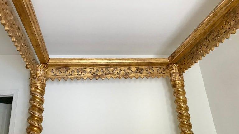 King Size Italian Bed In Good Condition For Sale In West Palm Beach, FL