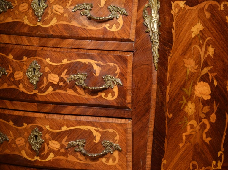 Kingwood and Marquetry Commode For Sale 1