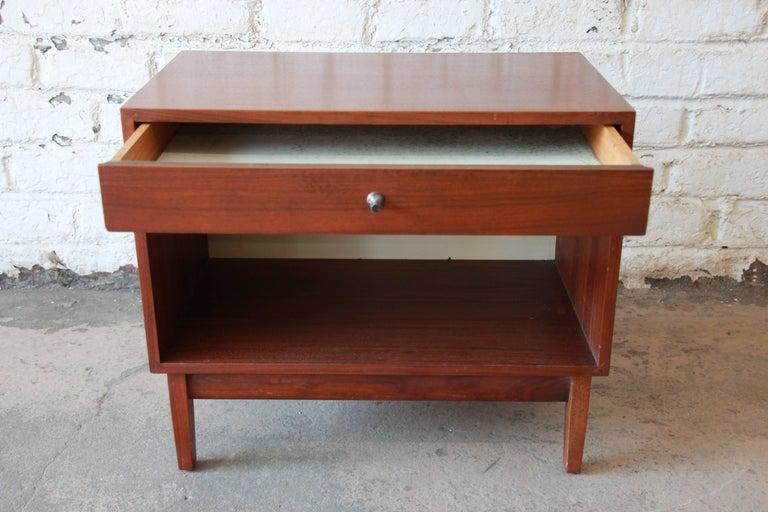 Kipp Stewart for Calvin Mid-Century Modern Walnut Nightstand, 1950s For Sale 1