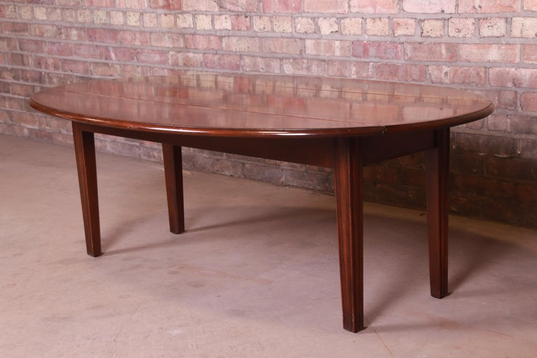 20th Century Kittinger American Colonial Mahogany Drop-Leaf Coffee Table For Sale