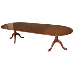 Kittinger CW Solid Mahogany Georgian Queen Anne Style Dining Table with 2 Leaves