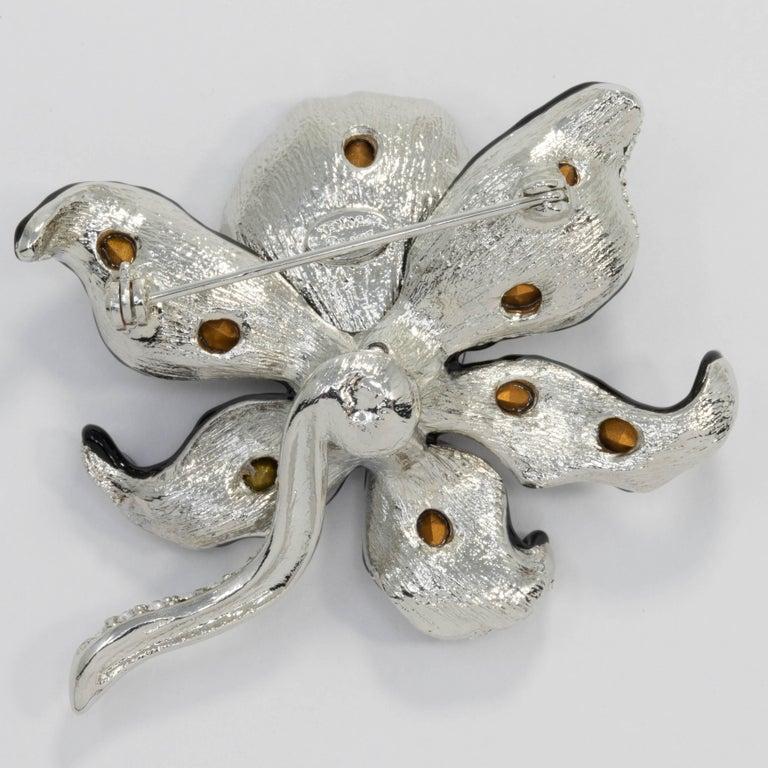 KJL Kenneth Jay Lane Clear Crystal Leaf Pin Brooch in Silver, Black Enamel Trim In New Condition For Sale In Milford, DE