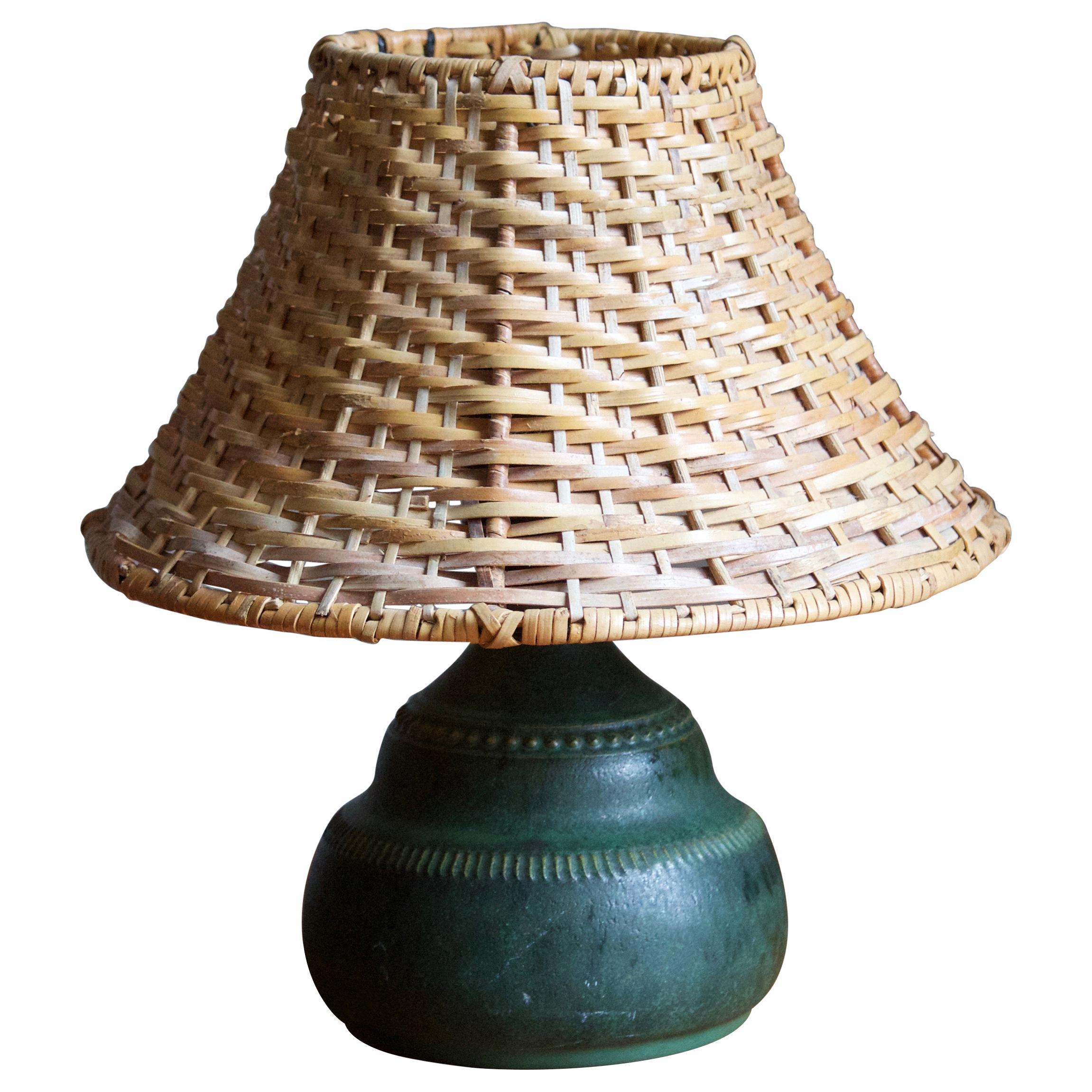Klase Höganäs, Table Lamp, Green Glazed Stoneware, Rattan, Sweden, 1950s