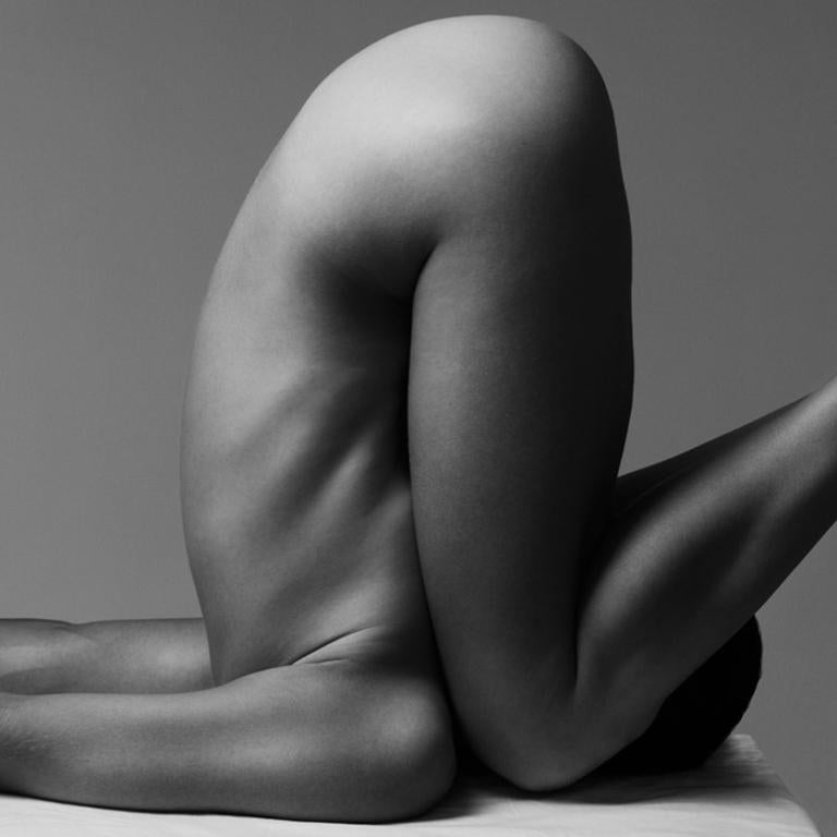 161.04.11, On body Forms series - Female Nude Photography
