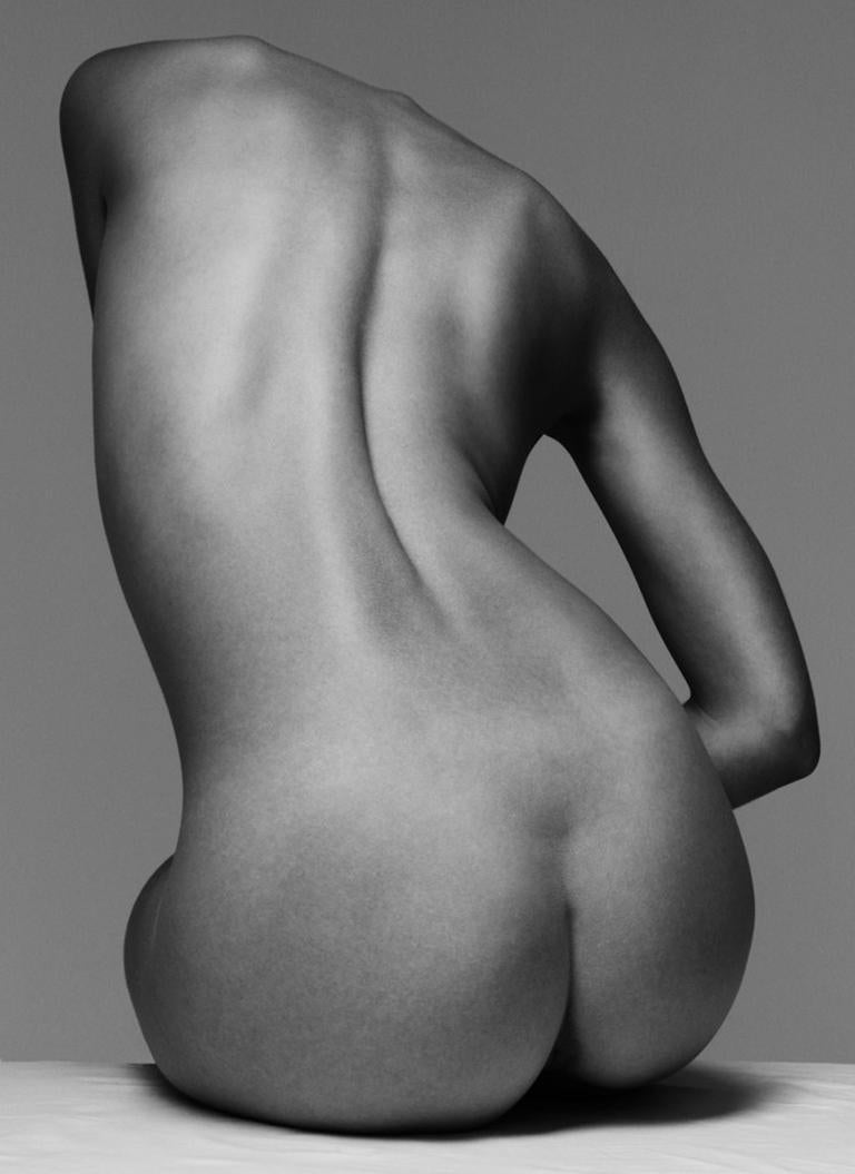 Klaus Kampert Black and White Photograph - 161.11.11, On body Forms series