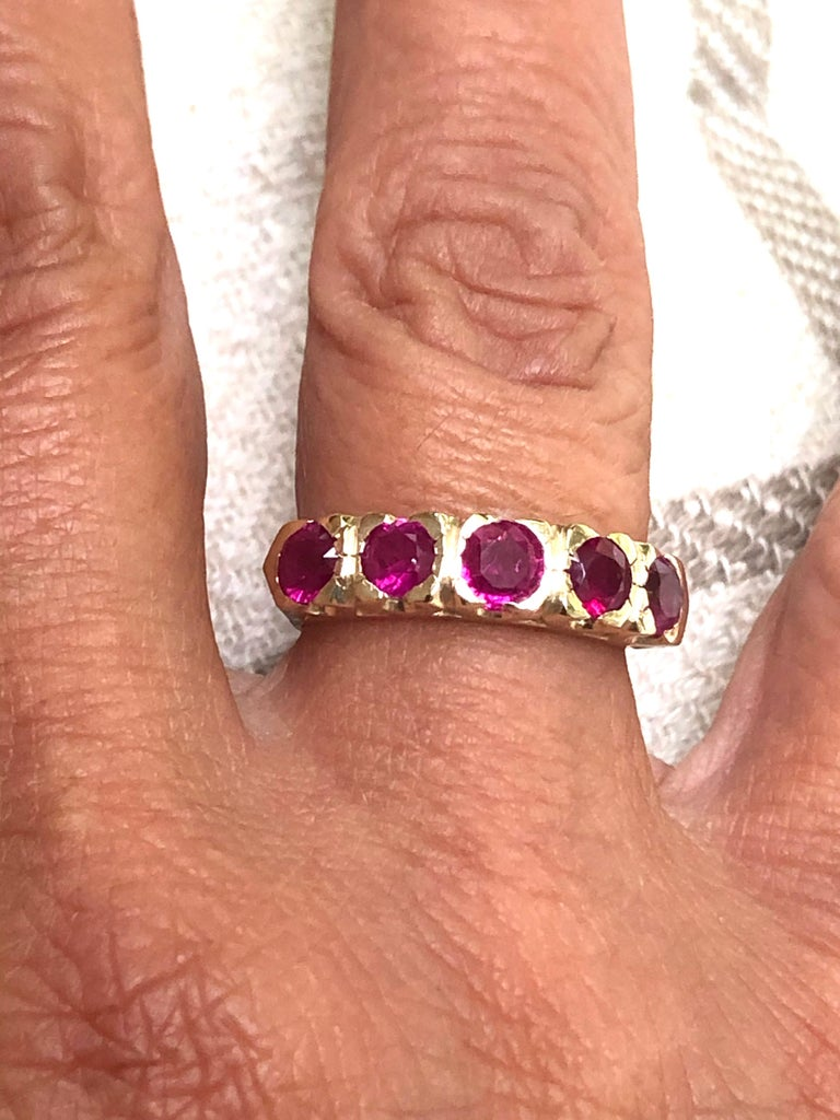 Knife Edge 1.90 Carat Ruby Fishtail Mounting Anniversary Five Stone Ring For Sale 4