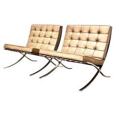 Knoll Barcelona Lounge Chair, Camel, Stainless Steel, Mies van der Rohe, 1980s