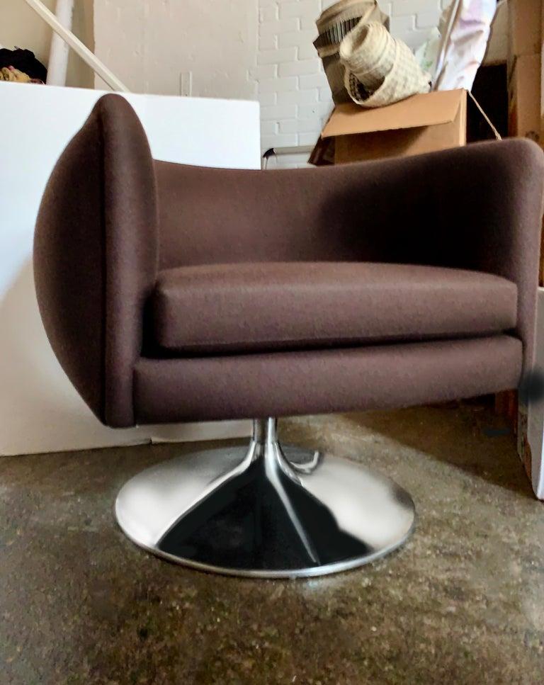 Knoll D'Urso Modern Swivel Club Lounge Chair in Pumpernickel Wool Bouclé, Steel 1