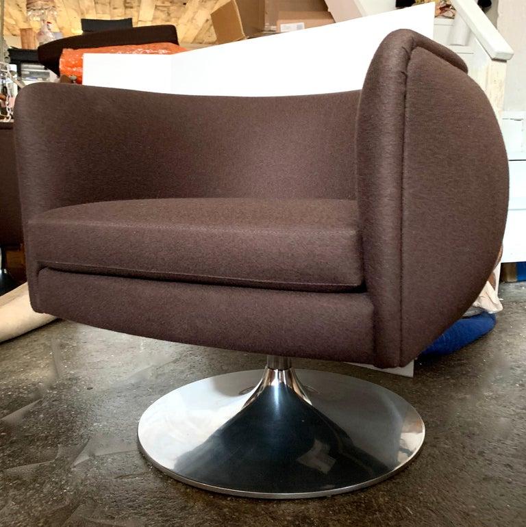 Knoll D'Urso Modern Swivel Club Lounge Chair in Pumpernickel Wool Bouclé, Steel 3