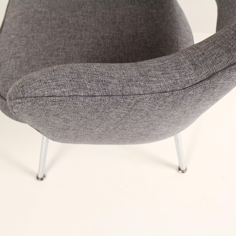 Upholstery Knoll Executive Armchair by Eero Saarinen For Sale