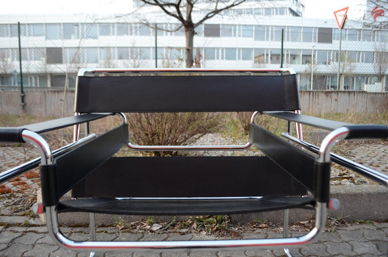 Italian Knoll International Wassily Chair by Marcel Breuer Black Leather For Sale