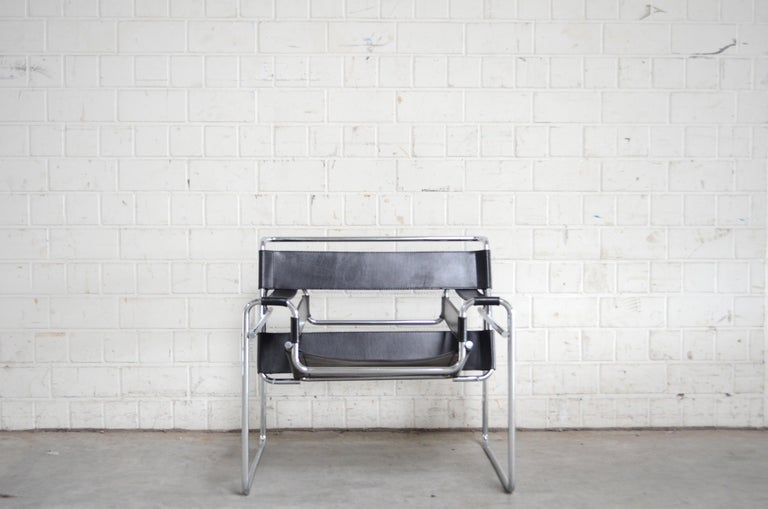 Knoll International Wassily Chair by Marcel Breuer For Sale 4