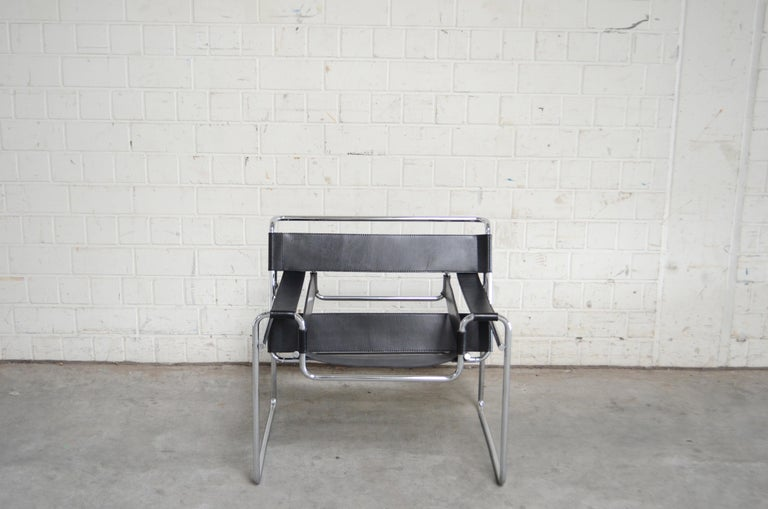 Bauhaus Knoll International Wassily Chair by Marcel Breuer For Sale