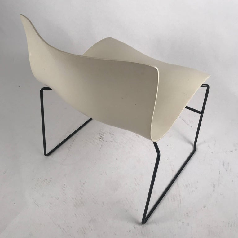 Fiberglass Knoll Massimo Vignelli Handkerchief Stacking Chairs in Black & White 40 Avail For Sale