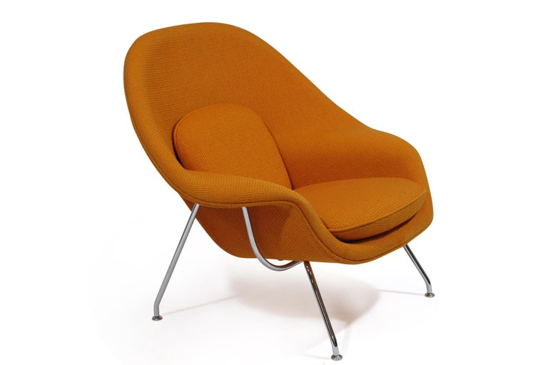 Mid-Century Modern Knoll Medium Womb Chair in Orange Cato For Sale