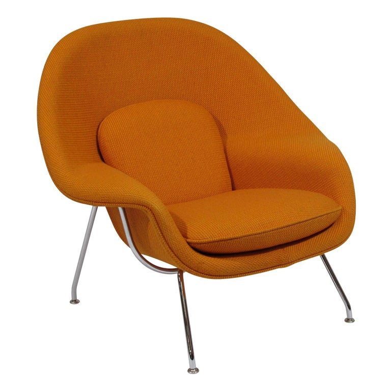 Knoll Medium Womb Chair in Orange Cato For Sale