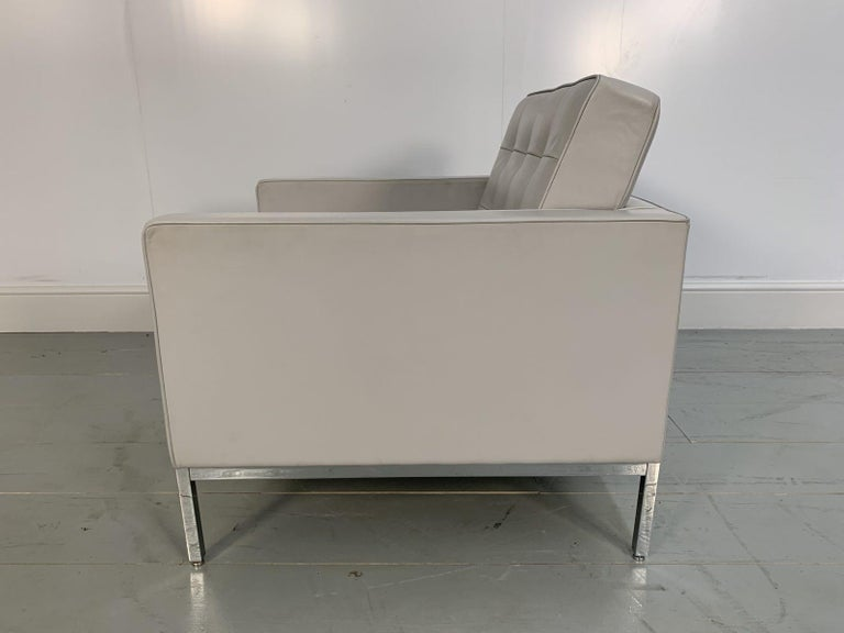"Hand-Crafted Knoll Studio ""Florence Knoll"" Lounge Chair Armchair in Pale Grey ""Volo"" Leather For Sale"